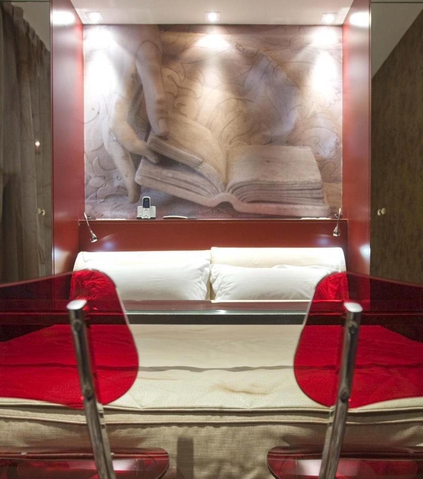 Apostrophe Hotel - Standard Rooms